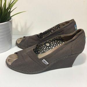 Toms tan wedged peeptoe shoes